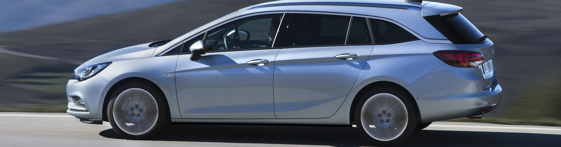 De Opel Astra auto van het jaar 2016